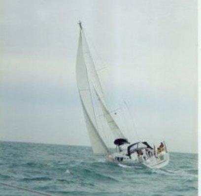 Voorjaar 2002: Dulce op haar maidentrip, ergens in de Thames monding.