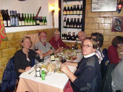 Afscheid van Wiebe & Marina, O Cantinha do Mar. Vlnr. Anjès, Tom, Ans, achterin Wiebe, vooraan Gert, daarachter Marina