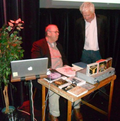 Govert-Jan Bach (l) en Wil Funk gisteravond in Theater 't Pand