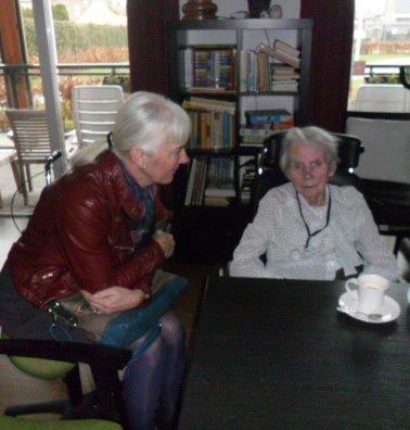 Ans met haar moeder (95) in De Laakse Hof