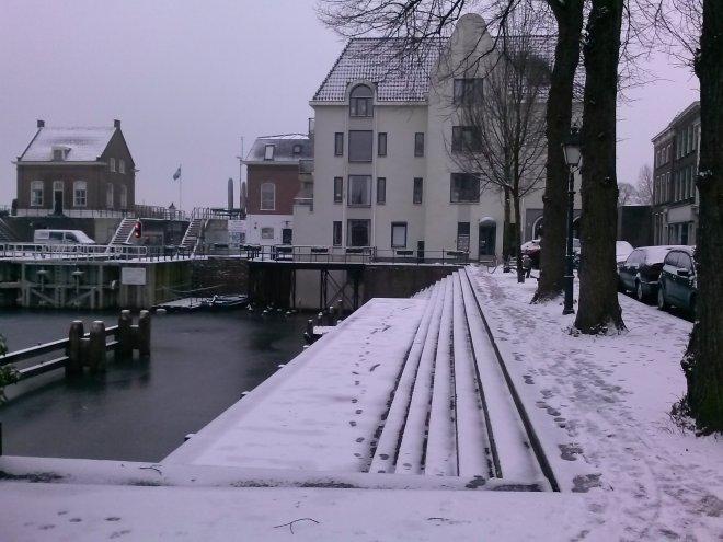 Ons huis. Foto van gisteren toen er nog sneeuw lag.