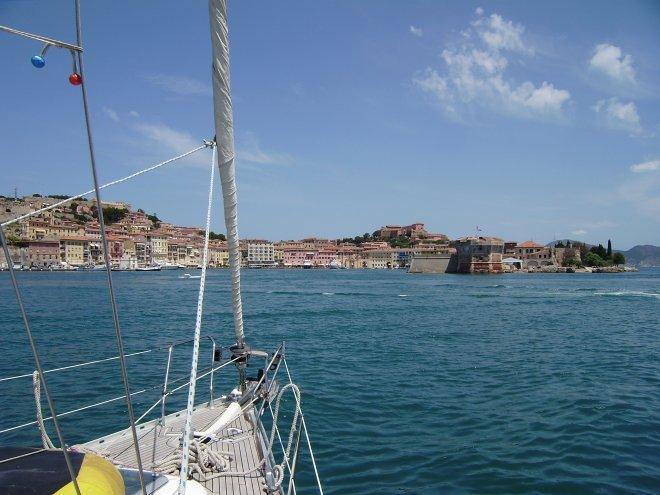 Aanloop van de prachtige, natuurlijke haven van Portoferraio, het hoofdstadje van Elba